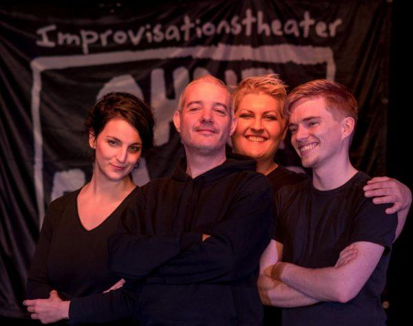 """ImproShow – Improtheater """"Ohne Gewähr"""""""